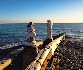 Pebble Art on Beach - Digital Artist Sam Taylor from Seaford